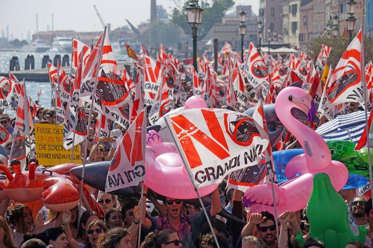 """Unter den Demonstranten waren auch viele Jugendliche der """"Fridays for Future""""-Bewegung."""