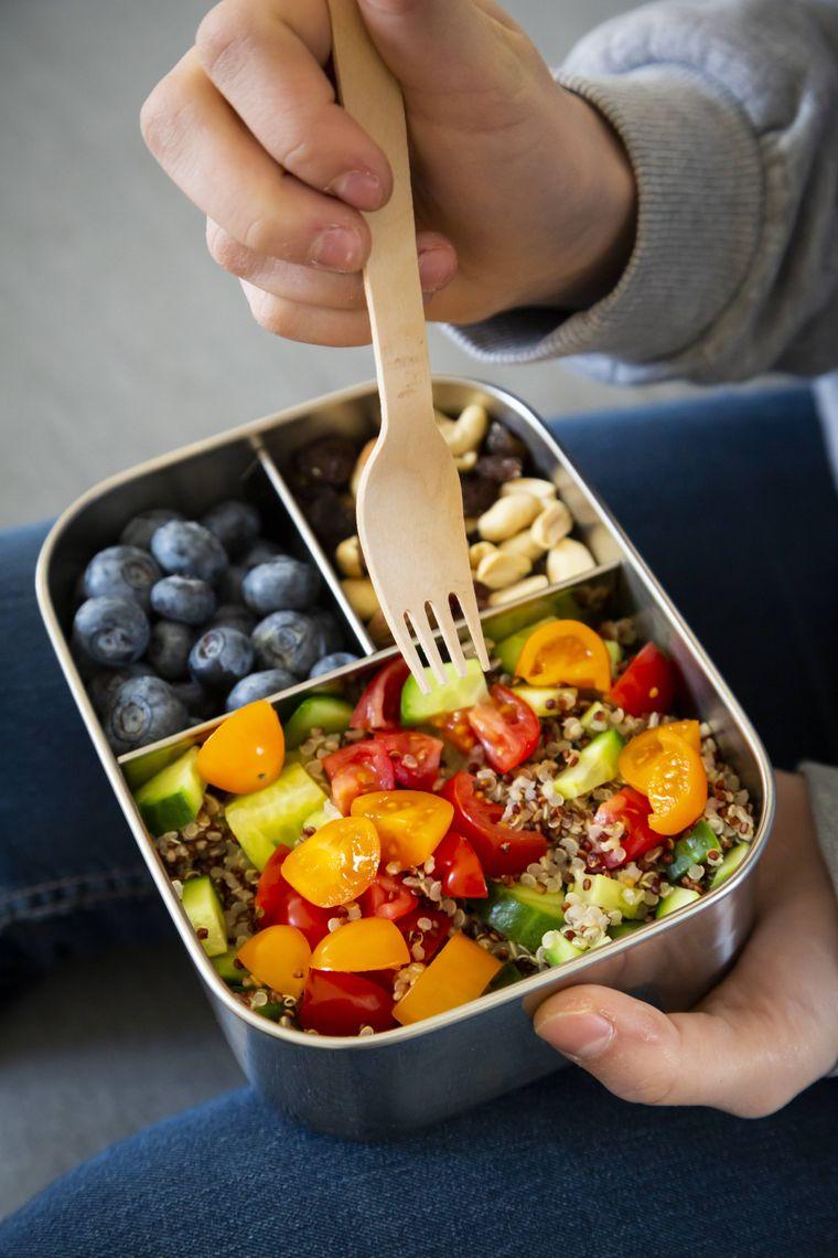 Essen, das du dir zu Hause frisch zubereitest, schmeckt sowieso viel besser als das Pappsandwich aus der Plastikfolie.
