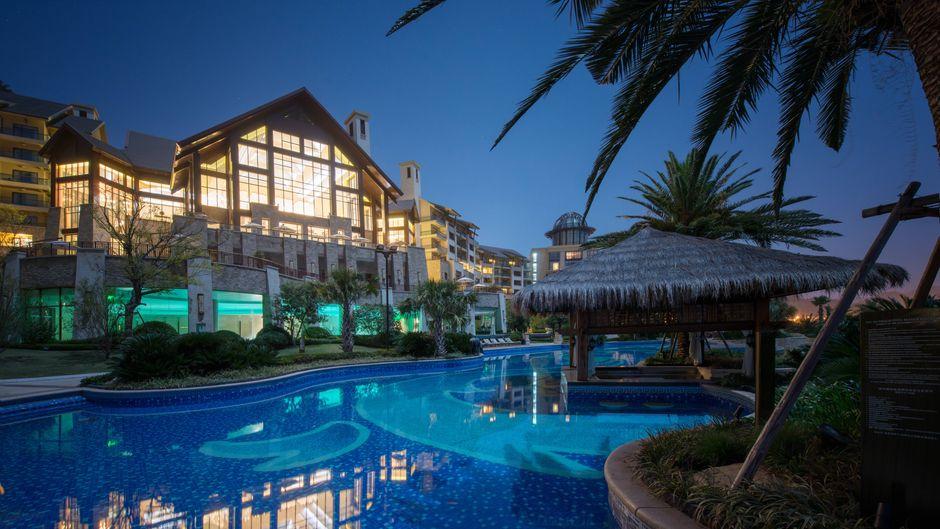 Die örtlichen Behörden haben die Hotelkette Hilton angewiesen 150 Hotels in China zu schließen.