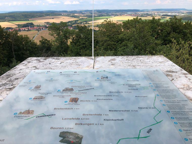 Ausblick über Scharfenstein.