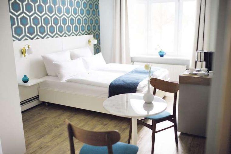 Im Fritz im Pyjama Hotel kannst du dich besonders auf modern eingerichtete Zimmer und die zentrale Lage im Schanzenviertel freuen.