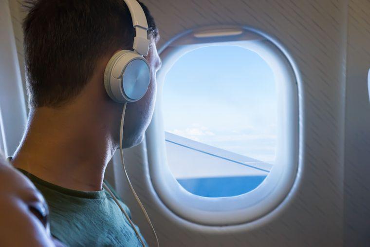 Wenn du das Maximum aus deinen Flugmeilen rausholen möchtest, solltest du sie nicht für Sachpreise wie Noise-Cancelling-Kopfhörer eintauschen.