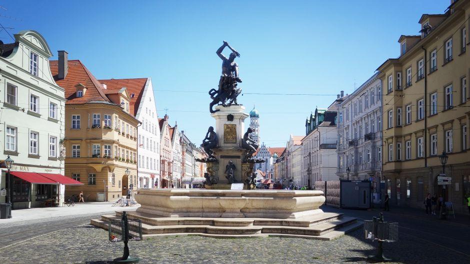 Der Herkulesbrunnen in Augsburg.