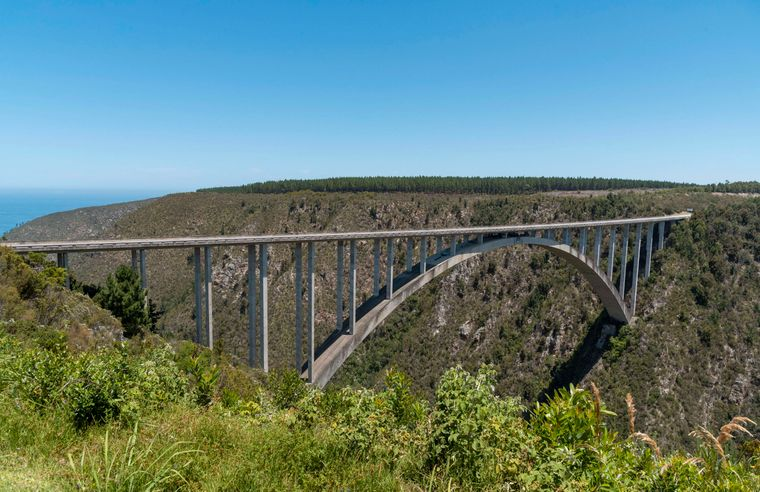 Die 216 Meter hohe Bloukrans Bridge ist die höchste Brücke in ganz Afrika.