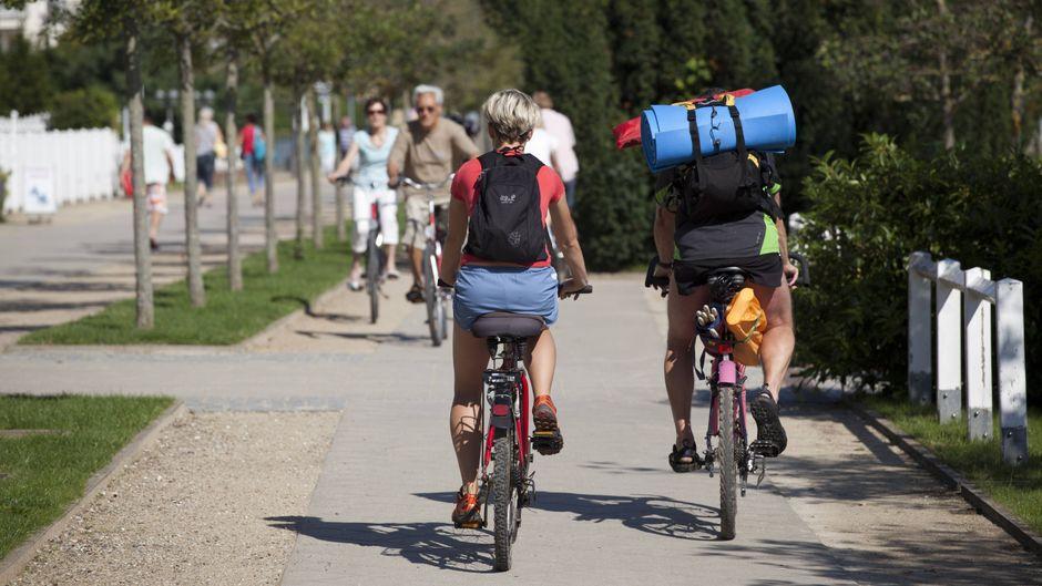 Ab aufs Rad: Usedom ist zu schade, um nur am Strand zu liegen.