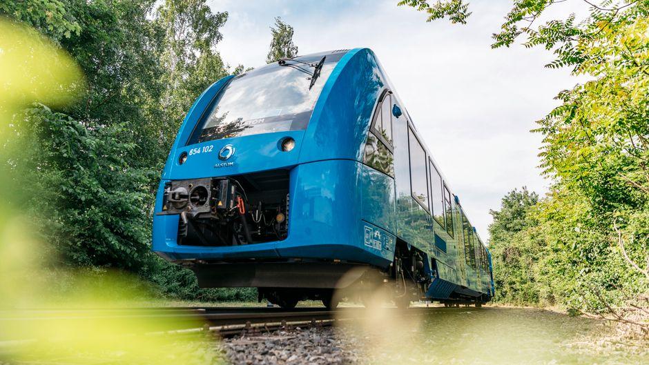 Mit dem Wasserstoffzug soll das Bahnfahren emissionsfrei werden.