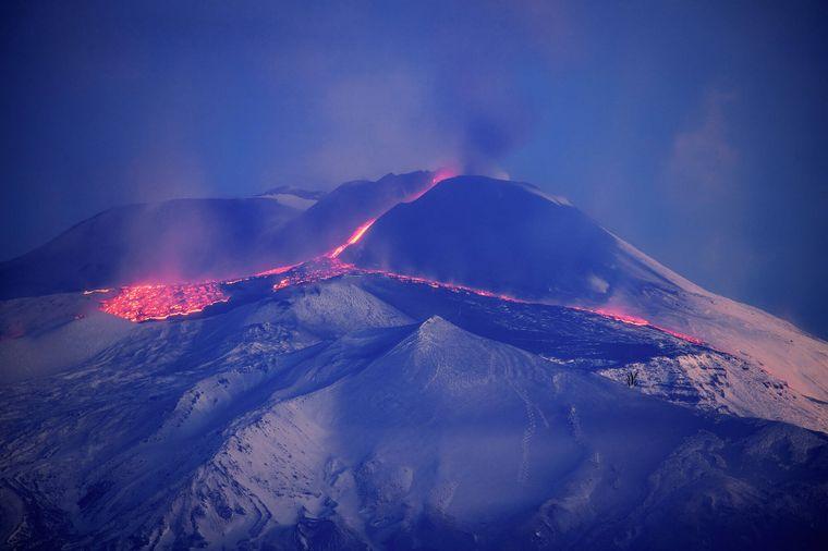 Der Ätna auf Sizilien gilt als Europas aktivster Vulkan – immer wieder kommt es zu Ausbrüchen.