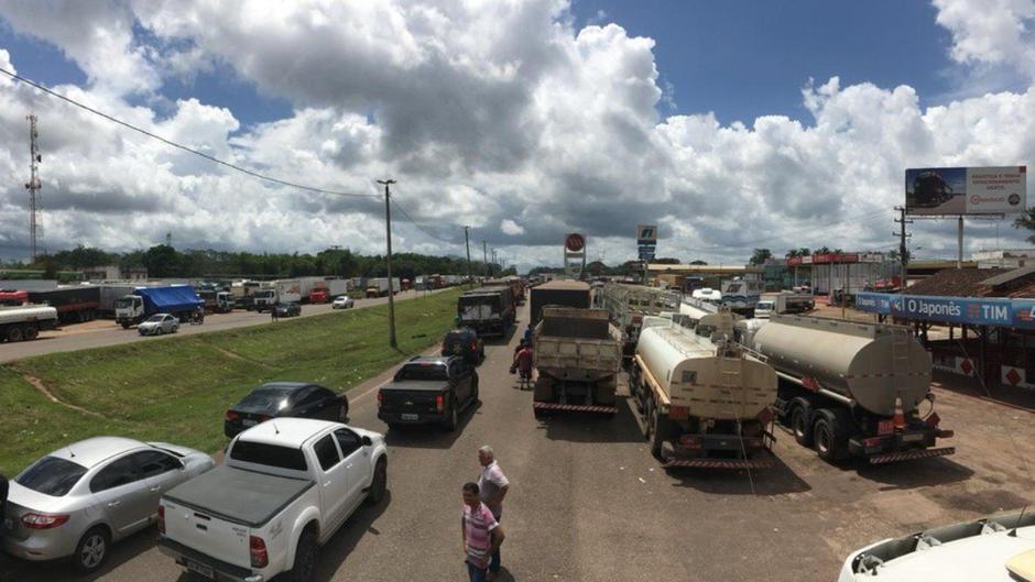 Die Lkw blockieren in 40 Städten Brasiliens Straßen und Autobahnen.