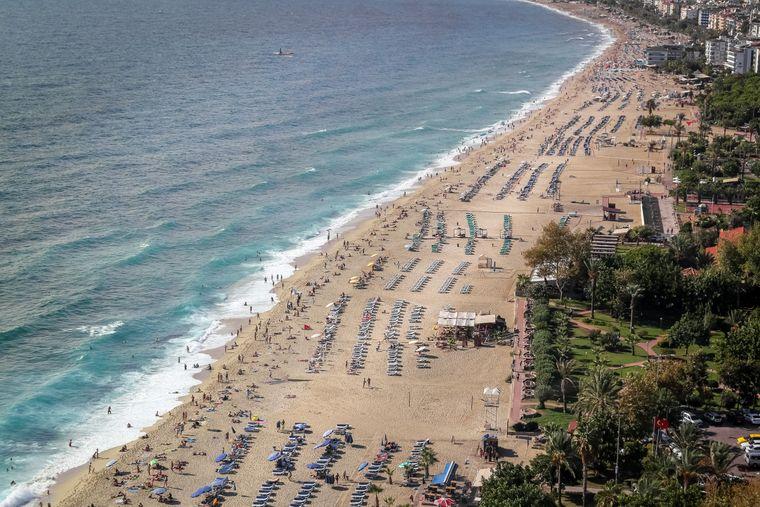 Alanya ist ein beliebter Spot für Strandurlaub.