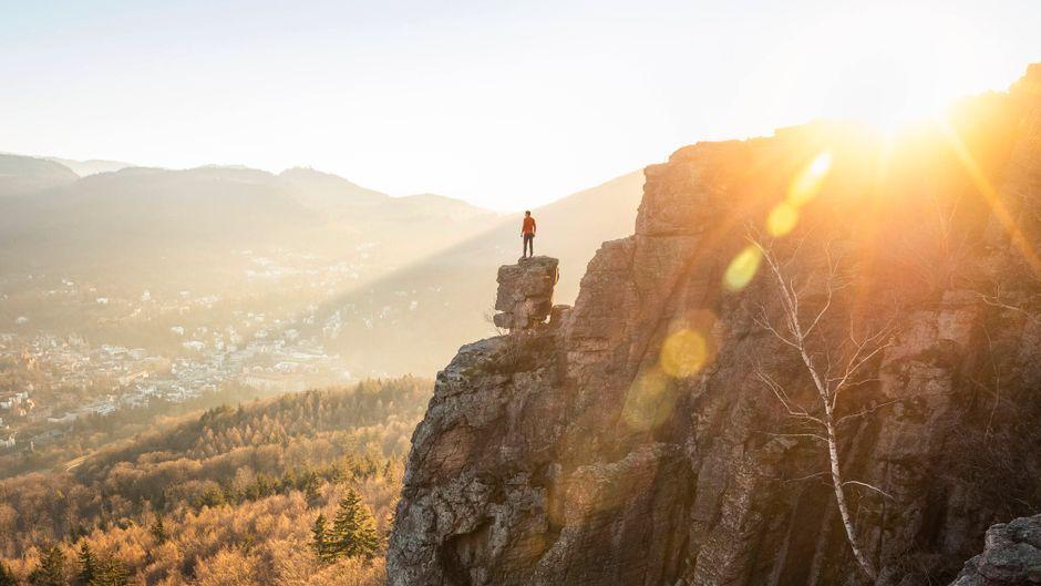 Der Ausblick vom Battert-Felsen ist atemberaubend – ihn erleben Wanderer auf dem Panoramaweg in Baden-Baden.