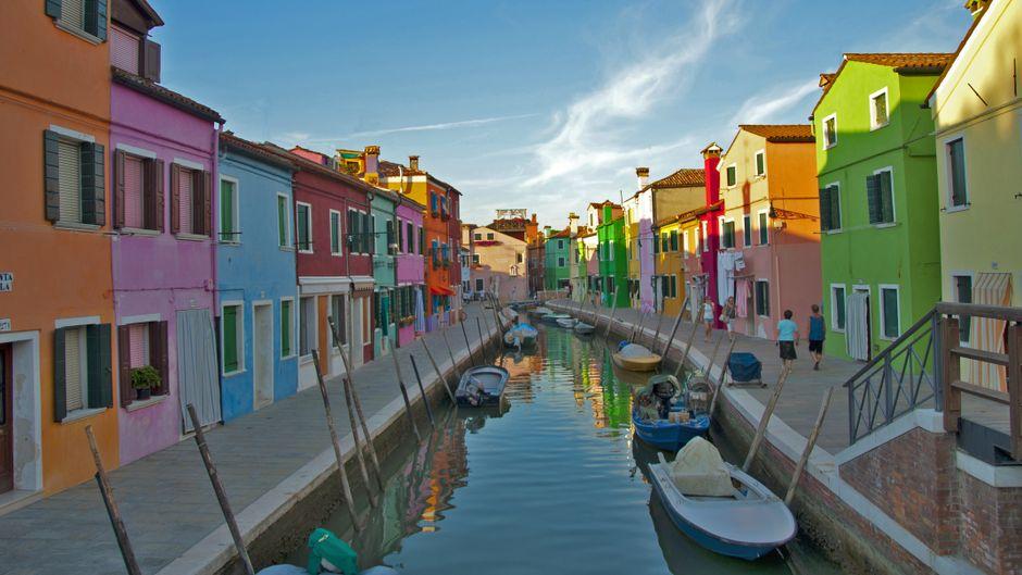 Burano ist eine Insel in der Lagune von Venedig.