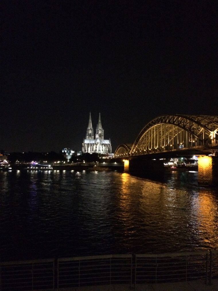 Deutz bietet den besten Blick auf den Dom und die Hohenzollernbrücke.
