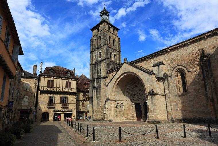Die schöne Abteikirche Saint-Pierre.