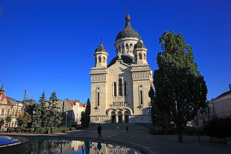 Die Orthodoxe Kathedrale am Piata Avram Iancu oder Avram-Iancu-Platz, in Cluj-Napoca (Klausenburg), Rumänien