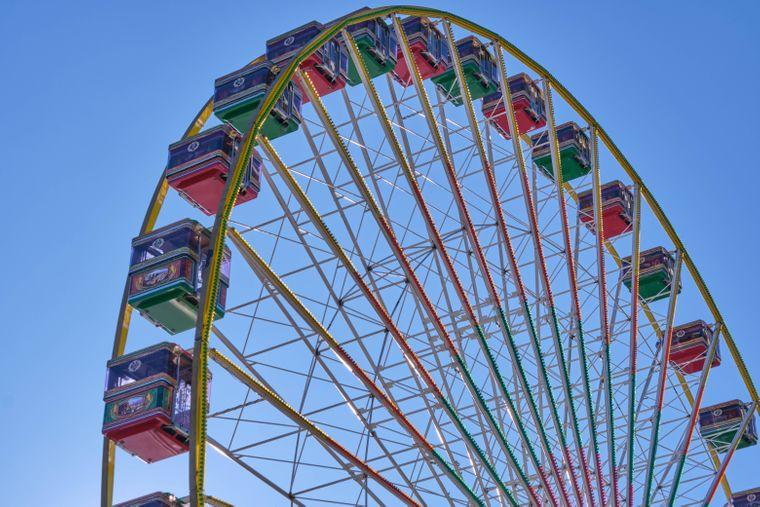 Vom Riesenrad aus direkt auf das offene Meer gucken? Das geht im Lunapark Bodrum.