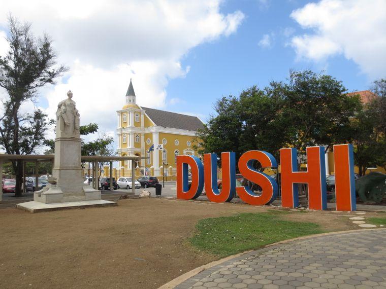 Dushi-Schriftzug in Willemstad