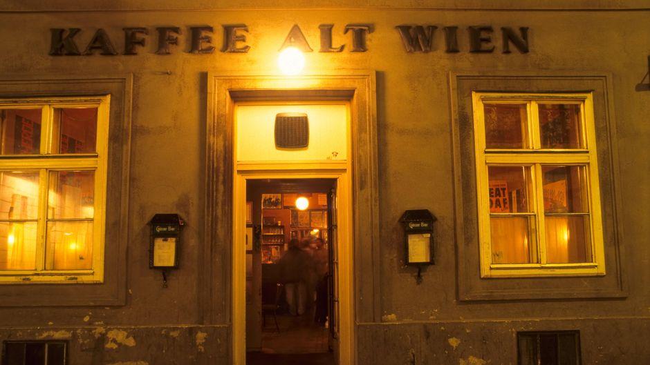 Das Kaffee Alt Wien im ersten Bezirk von außen. Es ist eines der traditionsreichsten Lokale in Wien.