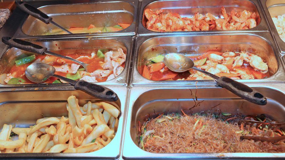 Buffet in einem chinesischen Restaurant.