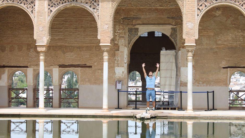 Flemming in der Alhambra in Granada.