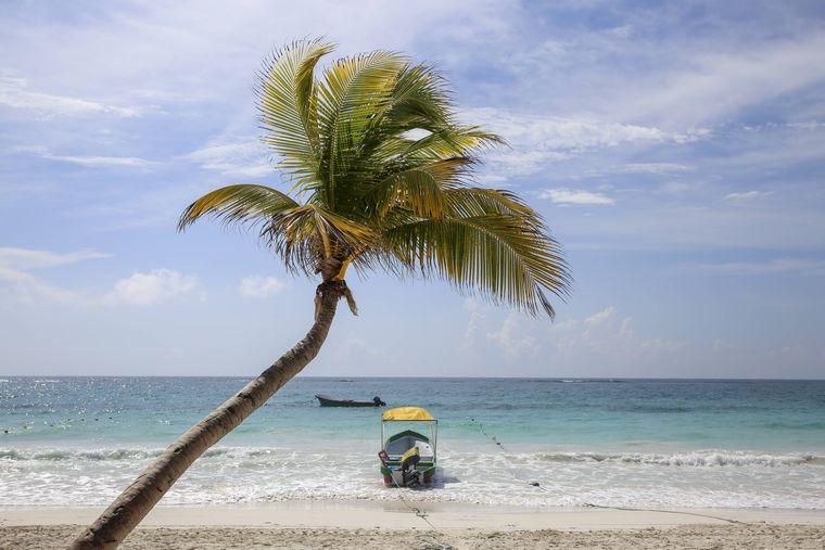 """Playa Paraíso bedeutet auf Deutsch: """"der paradiesische Strand"""". Kein Wunder also, dass er bei den Instagram-Nutzern beliebt ist. Er liegt südwestlichen Zipfel Mexikos in der Nähe des Urlaubsortes Playa del Carmen."""