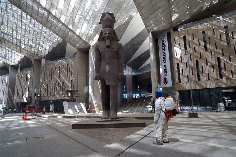 Das imposante Grand Egyptian Museum während der Umbaumaßnahmen.