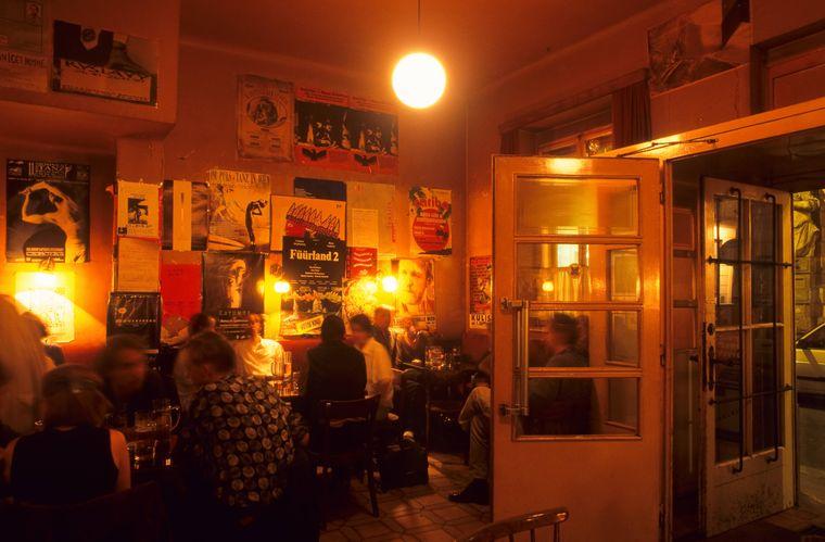 Das Kaffee Alt Wien am Abend.