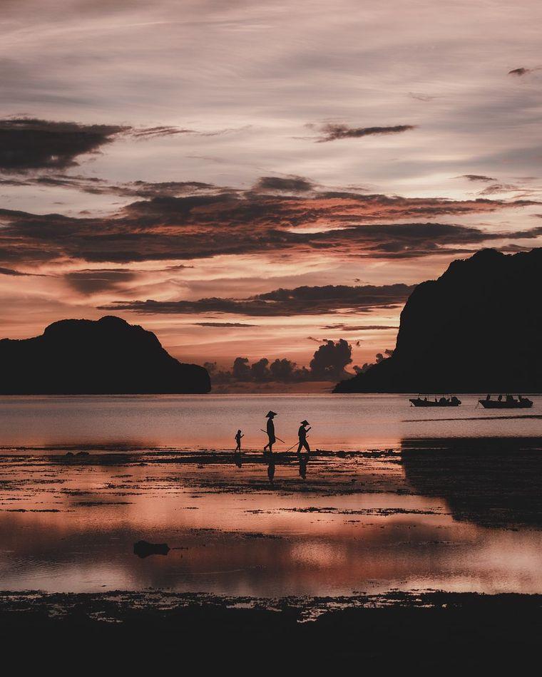 Den zweiten Platz belegt @alvarovaliente_ aus Spanien, indem er diese Einheimischen auf den Philippinen fotografierte.