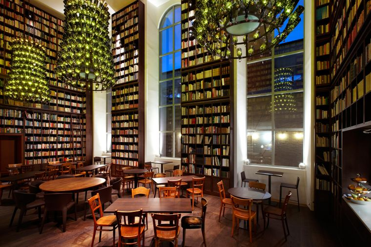 Die Wine Library.