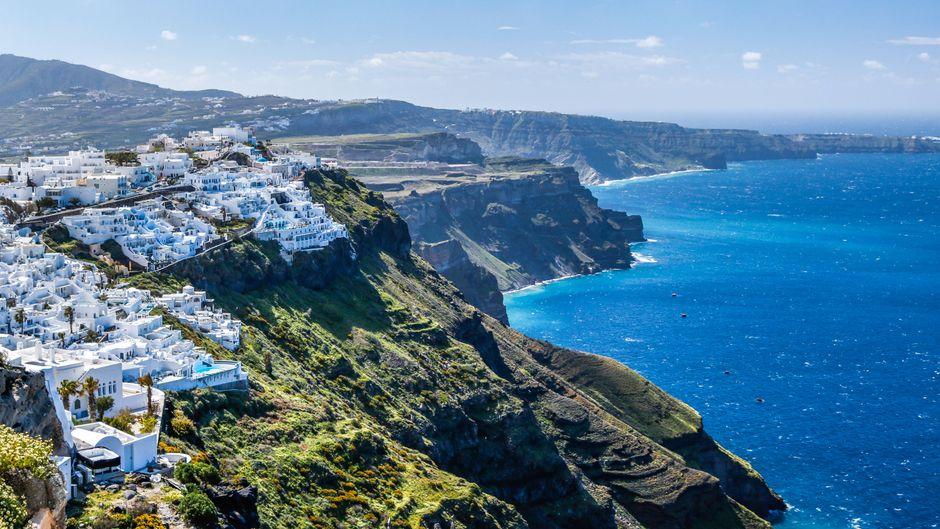 Es gibt viele gute Gründe, seinen Urlaub auf Santorin zu verbringen.
