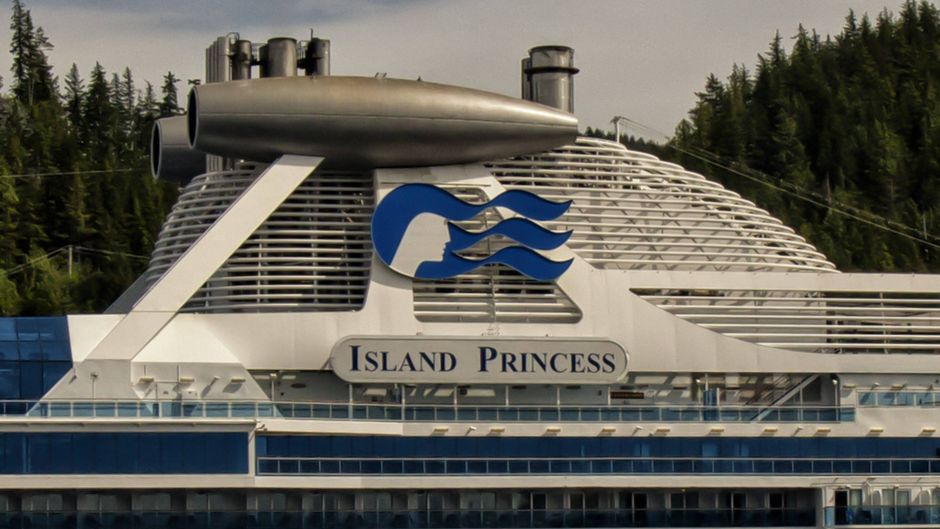 "Kreuzfahrtschiff ""Island Princess"" von Princess Cruises in Alaska."