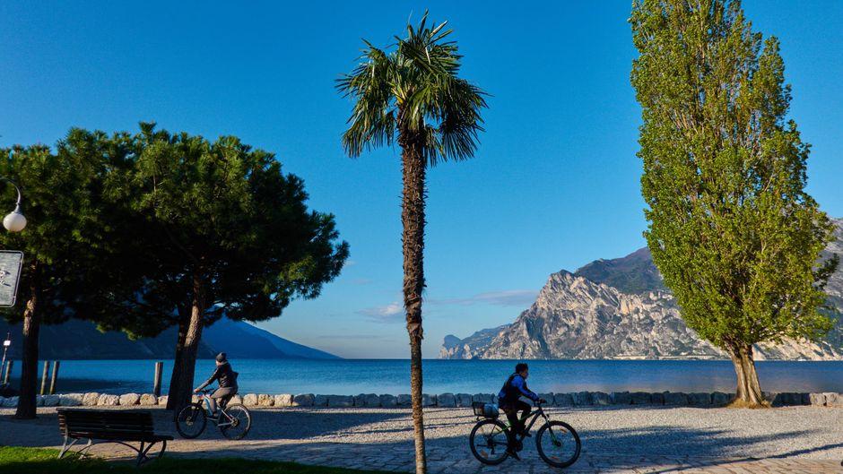 2021 soll ein neuer Radweg rund um den Gardasee führen.