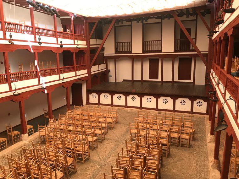 Almagro gilt als die Hauptstadt des spanischen Theaters. Das Corral de Comedias, ein mittelalterliches Innenhoftheater, ist eine der beliebtesten Sehenswürdigkeiten.