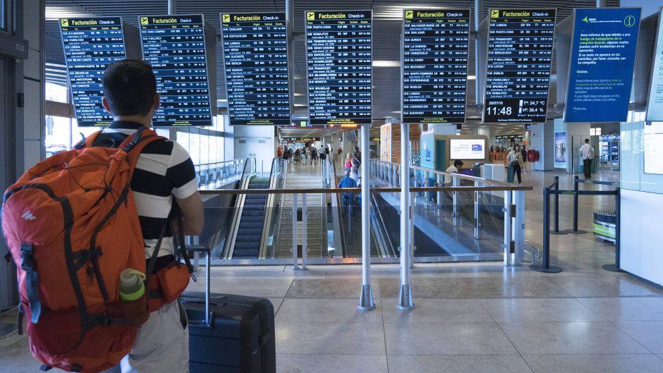 Reisende müssen sich auf Verspätungen und Flugausfälle am Flughafen Madrid-Barajas einstellen. (Symbolfoto)
