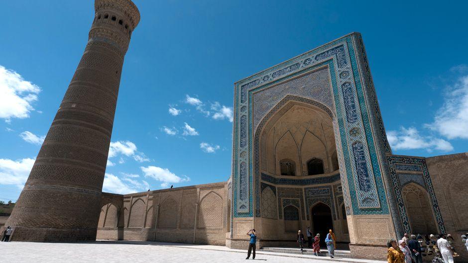 Moschee und Minaret in Bukhara, Usbekistan.