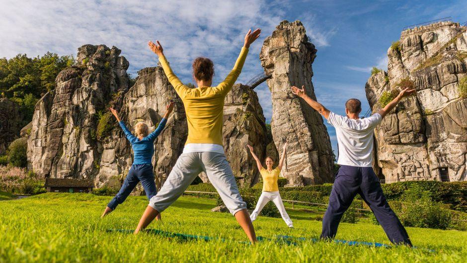 Yoga Kurse umgeben von beeindruckender Natur im Heilbad Horn-Bad Meinberg.