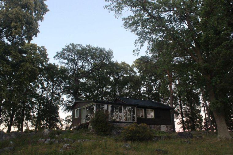 Fredrik Härén lässt kreative Köpfe in seinem Haus wohnen, damit sie dort ihre Projekte verfolgen können.