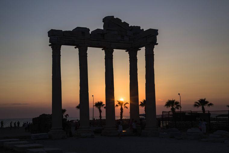 Der Apollon Tempel ist das Wahrzeichen von Side.
