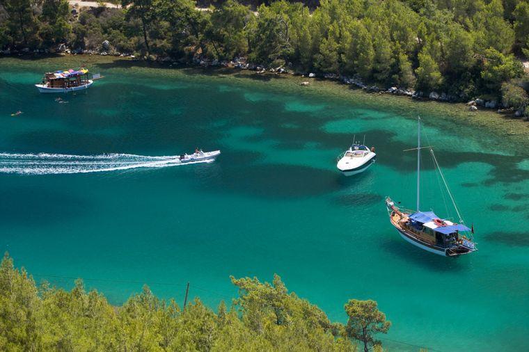 Die Paradise Bay in Bodrum lockt mit türkisblauem Wasser.