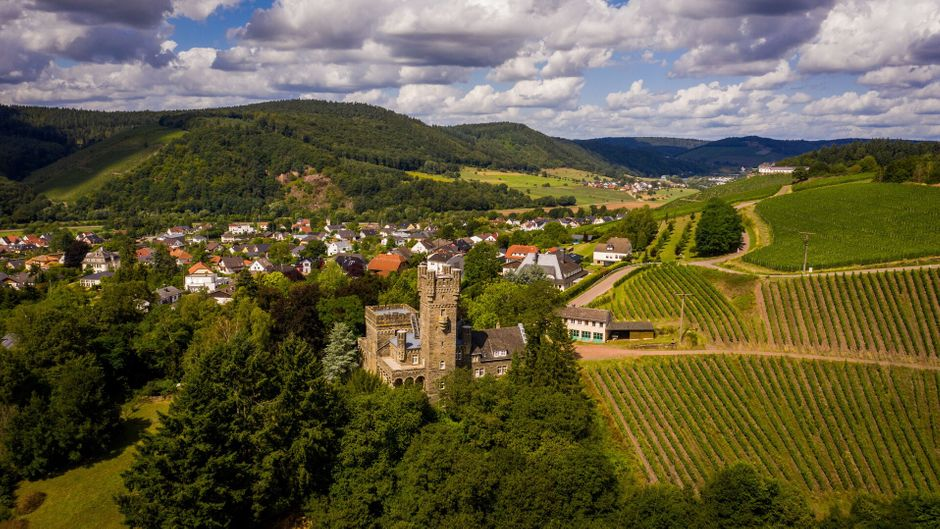 Burg Saarfels in Serrig im Naturpark Saar-Hundsrück