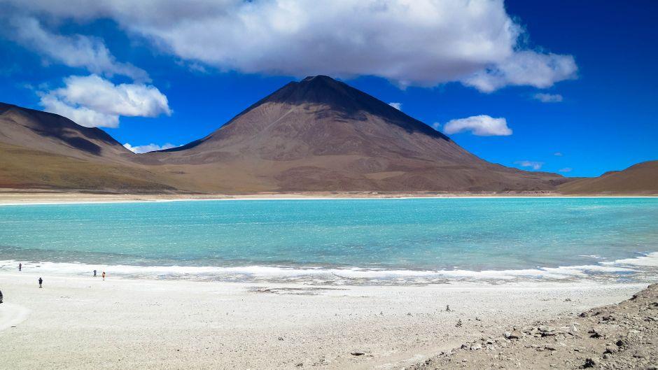 Wellness kostenlos: Der Salzsee ist mitunter bis zu 60°C heiß.