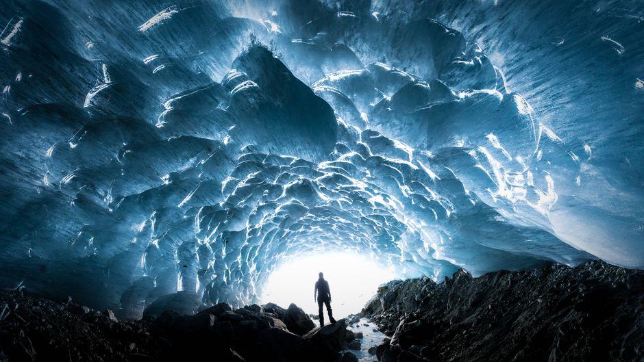 Kaum zu glauben, aber dieses Bild ist in Deutschland entstanden! Es handelt sich hier um die Eiskapelle in Bayern.