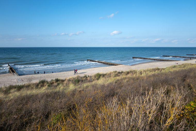 Blick auf den Strand auf Ahrenshoop.
