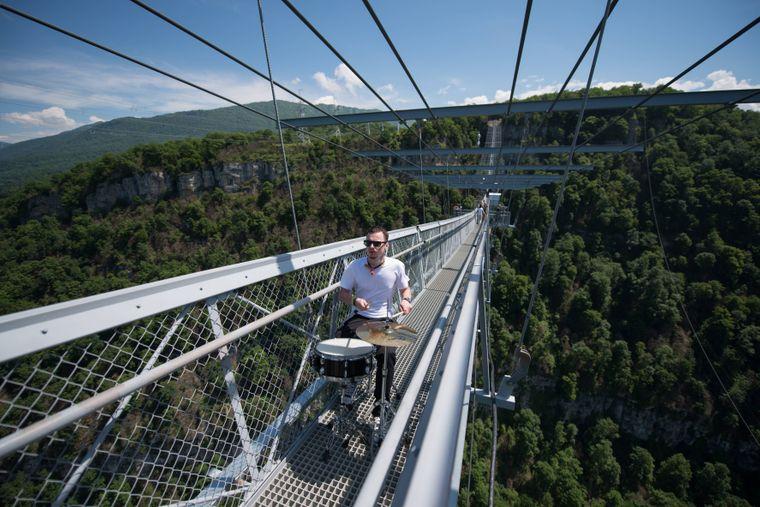 Die Skybridge in Russland war lange die längste Hängebrücke der Welt.
