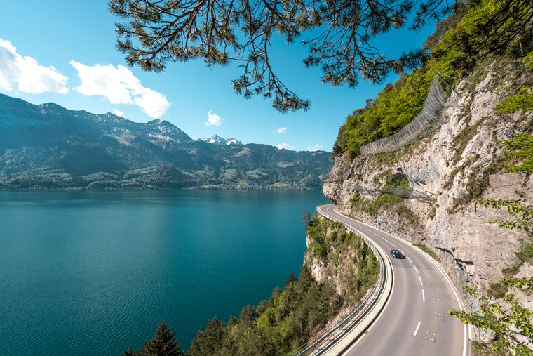 Wunderbare Aussicht entlang der Grand Tour of Switzerland.
