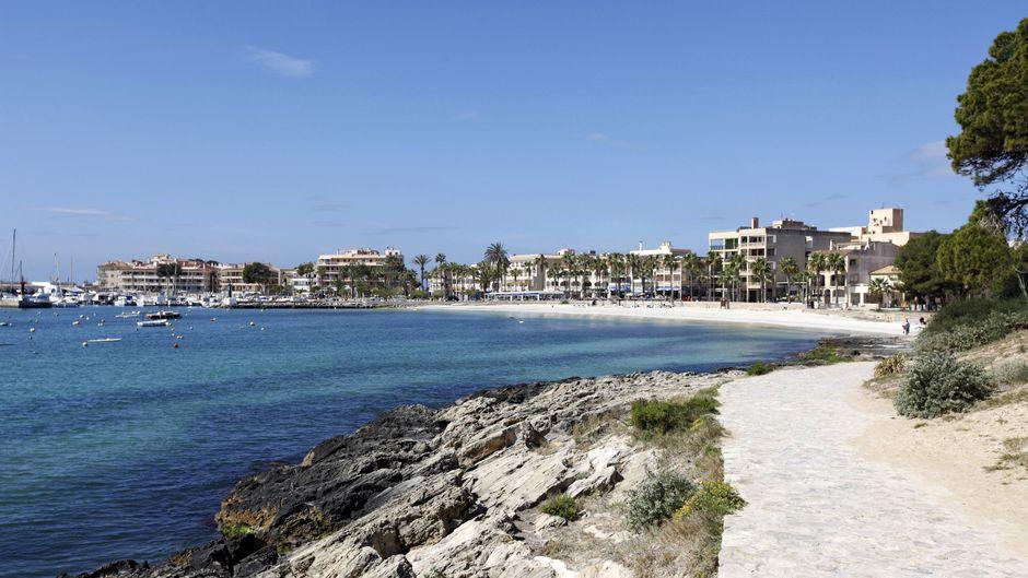 Dein Zuhause im Süden Mallorcas: In Colònia de Sant Jordi findest du garantiert eine Unterkunft, die perfekt zu deinen Urlaubsplänen passt.