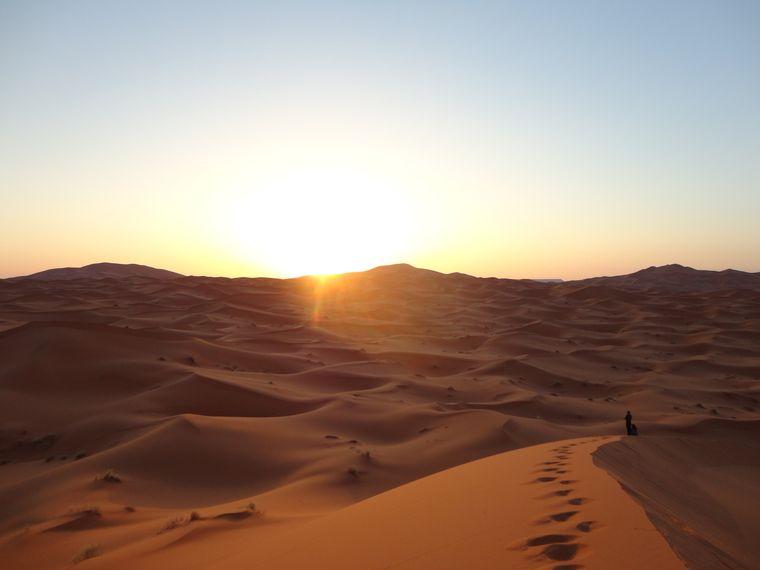 Sanddünen in der Sahara in Marokko.