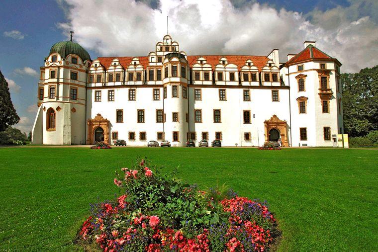 Das prachtvolle weiße Schloss in Celle.