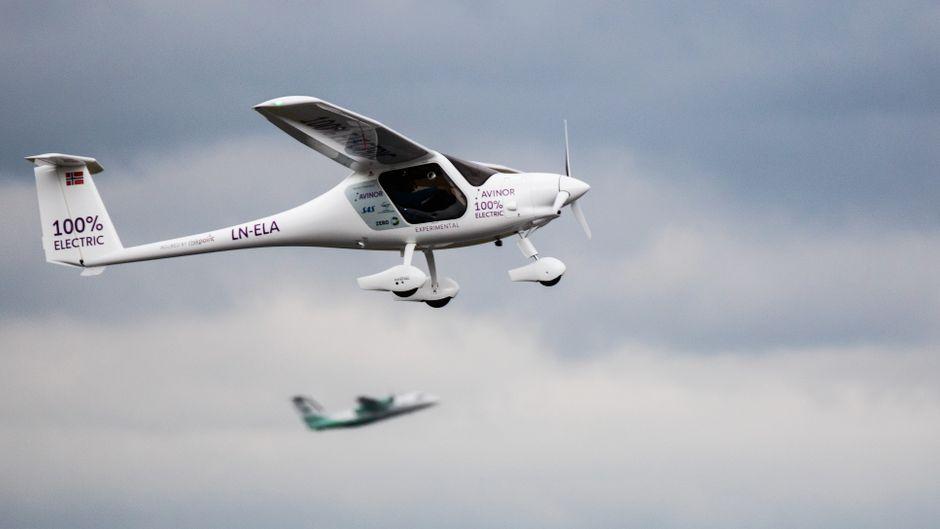 Testflug mit einem Elektroflugzeug in Oslo, Norwegen.