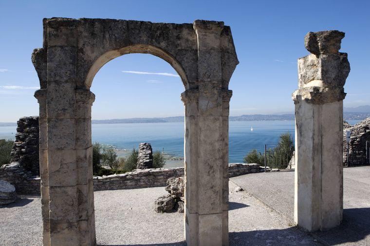 Die Grotte di Catullo am Gardasee in Italien ist eine beliebte antike Stätte.