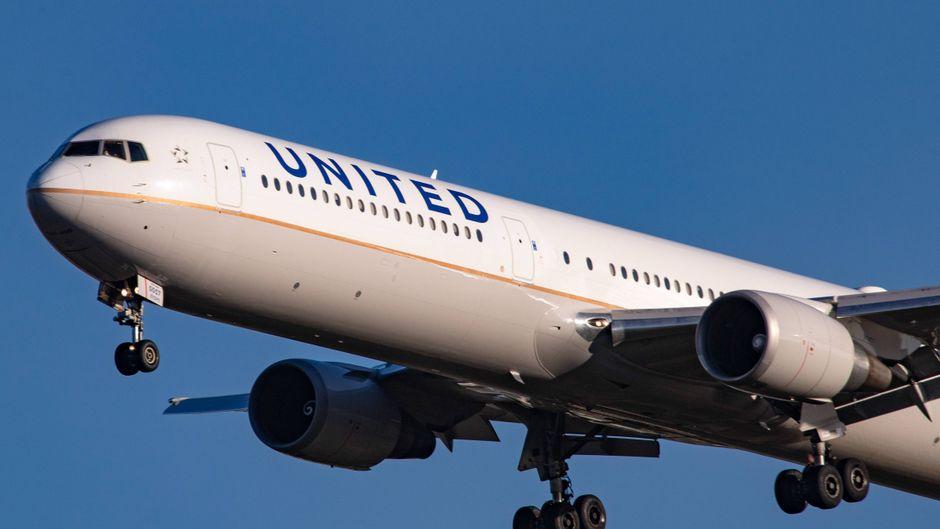 Das Fahrwerk der United-Maschine hielt dem harten Aufprall nicht Stand. (Symbolfoto)